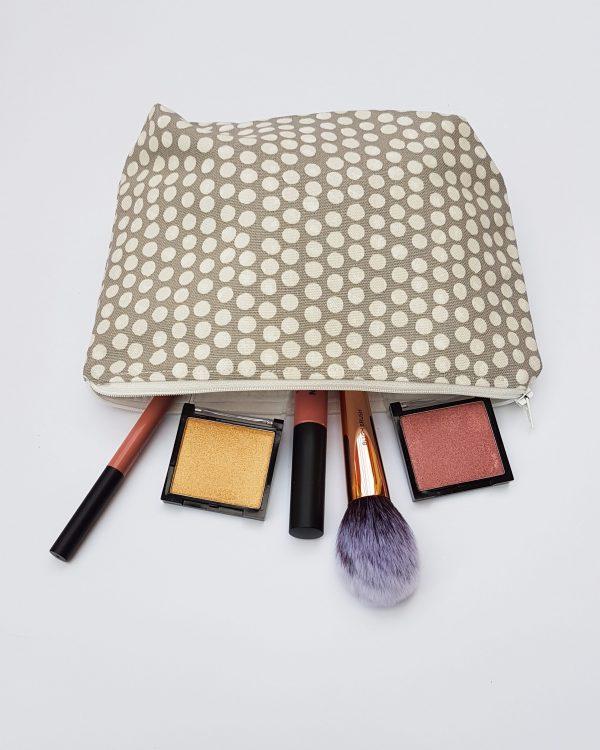 cosmetic - polka dot
